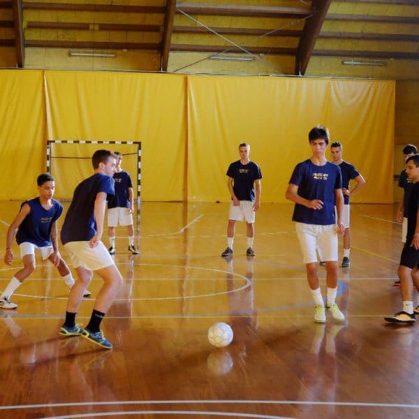 Under-19 gialloneri inclusi nel girone E